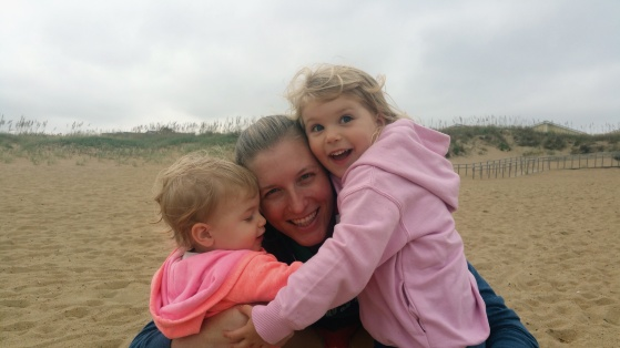 leslie-with-girls-at-beach
